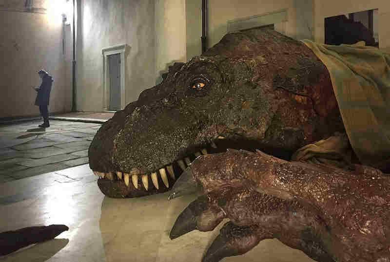 seravezza comics t-rex