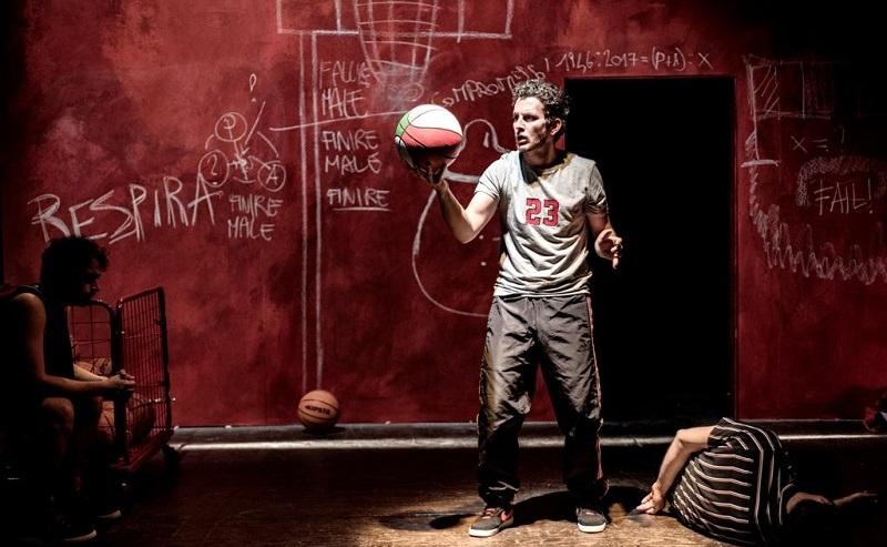Teatro dell'Olivo Camaiore - Nessuna pietà per l'arbitro