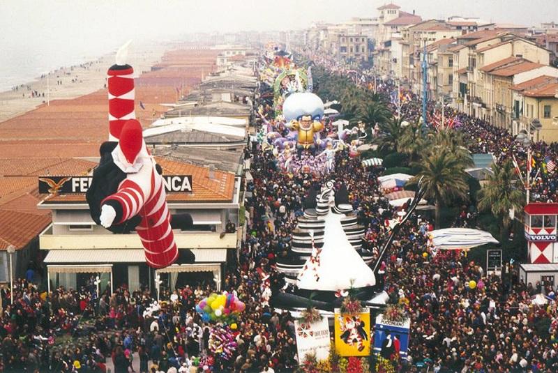 Carnevale di Viareggio 2019: primo corso mascherato sabato 9 gennaio