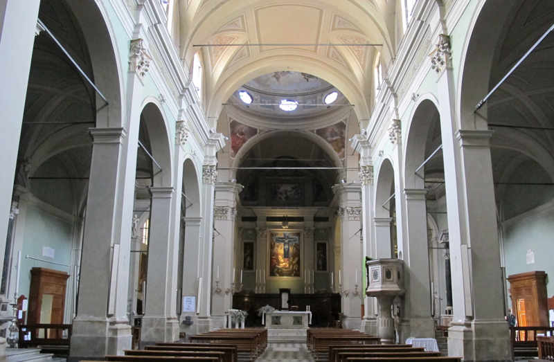 Camaiore_collegiata_interno
