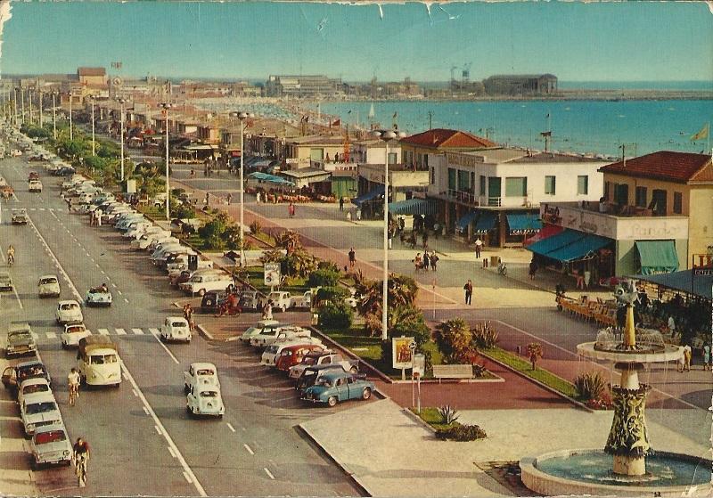 cartolina lungomare viareggio anni 70