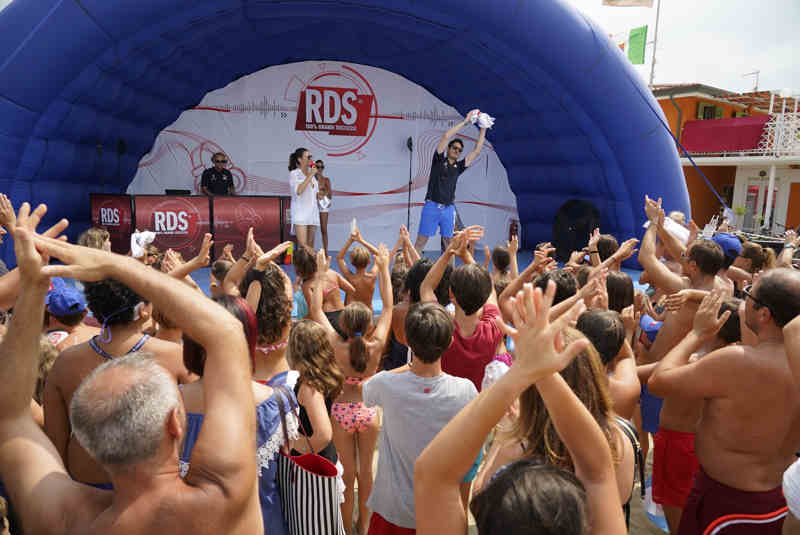 Rds-Play-On-Tour