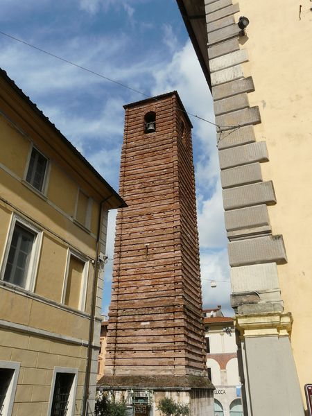campanile-duomo-pietrasanta