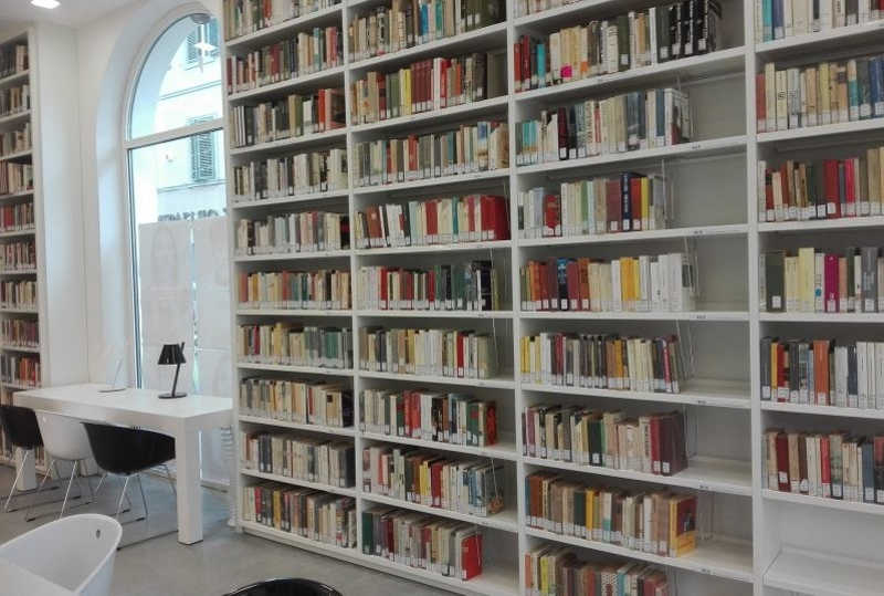 biblioteca-forte-dei-marmi