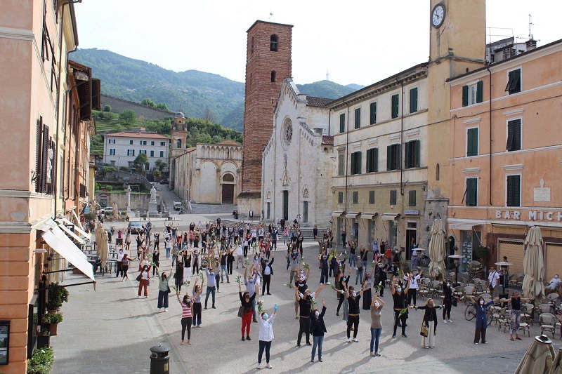 flash-mob-pietrasanta